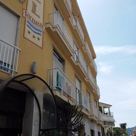 Hotel Solemare: La facciata dell'albergo
