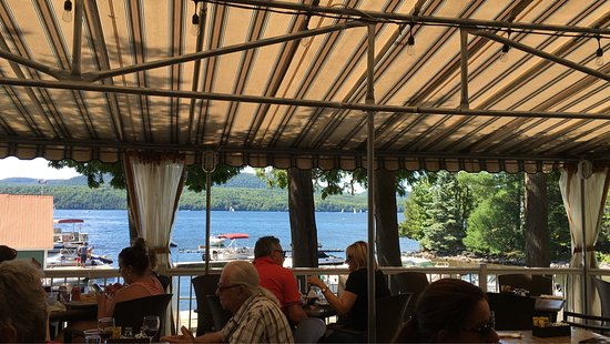Georgeville, Kanada: Beautiful spot. Casual and cosy.