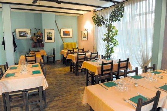 La nappe monde voiron restaurant avis num ro de - Restaurant vaise tout le monde a table ...