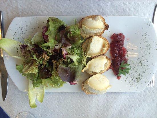 Sant Julia de Loria, Andorra: Ensalada de queso de cabra
