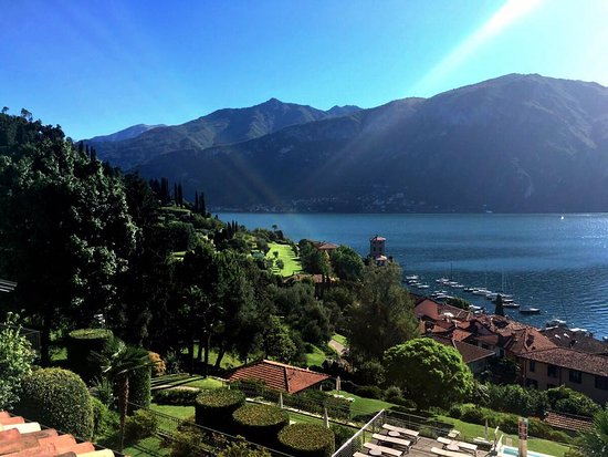 Hotel Belvedere Bellagio: Early morning view from terrace on 1st floor room