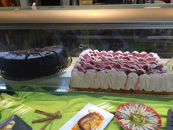 Sant Julia de Loria, Andorra: Gran variedad de tartas.