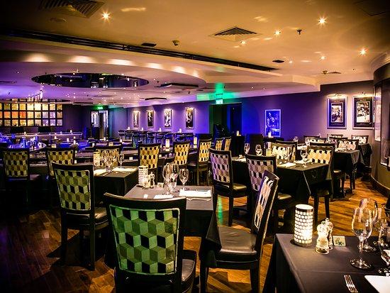 Hilton Abu Dhabi: Jazz Bar & Dining