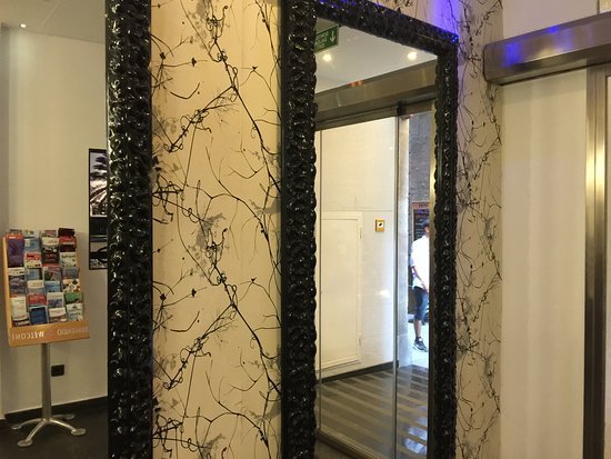 Hotel California: Reception