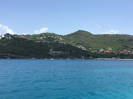 Oyster Pond, St. Maarten: Arriving in Saint Barthelemy.