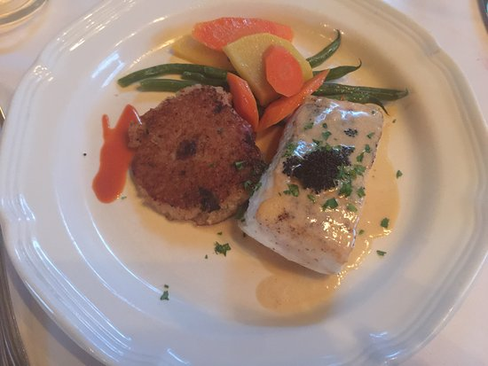Newmans at 988: The Halibut Special with a great polenta