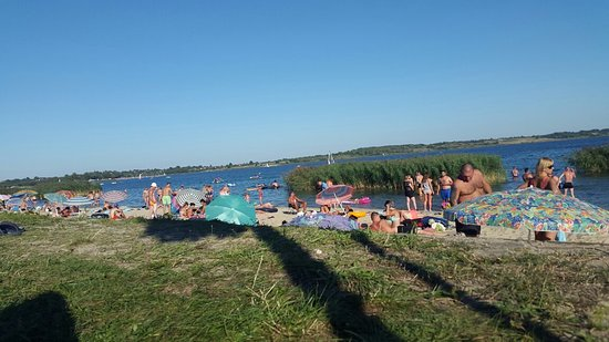 Tarnobrzeg, โปแลนด์: Jezioro podczas sezonu urlopowego