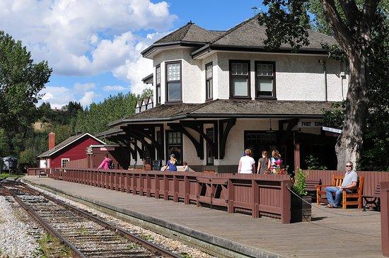 Fort Edmonton Park: Bahnstation und Haupteingang