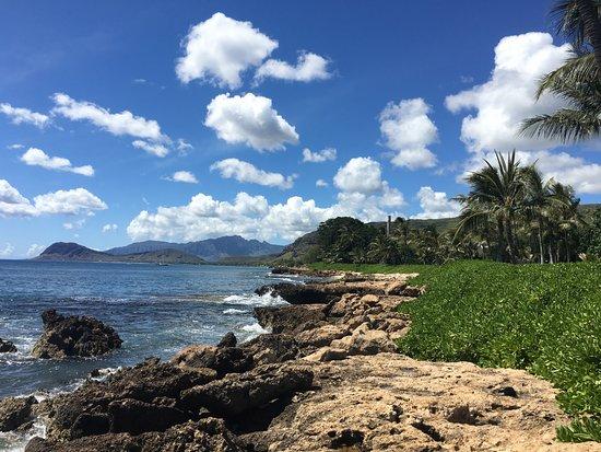Kapolei, Hawaje: walk around the right corner (facing beach) - scenic coastal walk