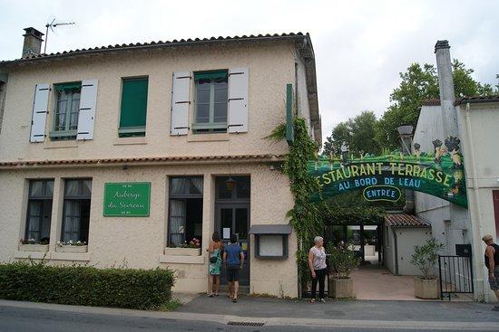 Restaurant l 39 auberge de sevreau dans niort avec cuisine for Cuisine you niort