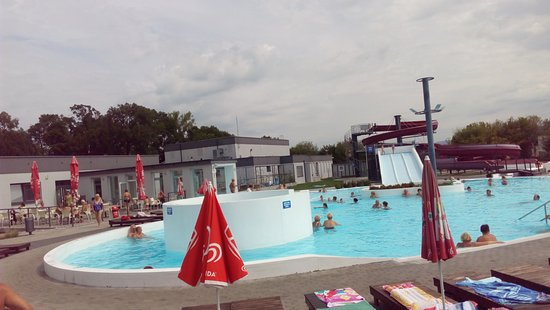 Partizánske, Slovensko: Outside pools with slides