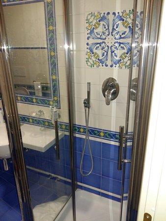 Hotel Santa Lucia: 20160827_202615_large.jpg