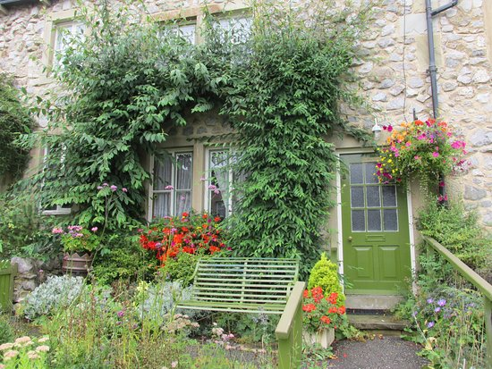 Yorkshire, UK: Willow Cottage