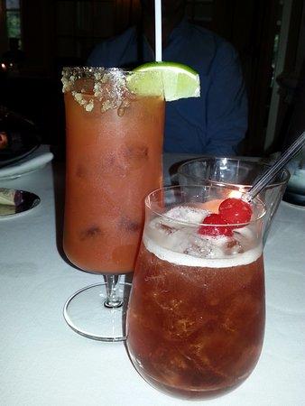 เคมบริดจ์, แคนาดา: Amazing cocktails. Caesar with smoked vodka.
