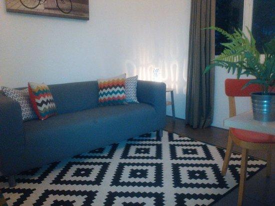 Malaka Hotel: Cozy sofa inside the room