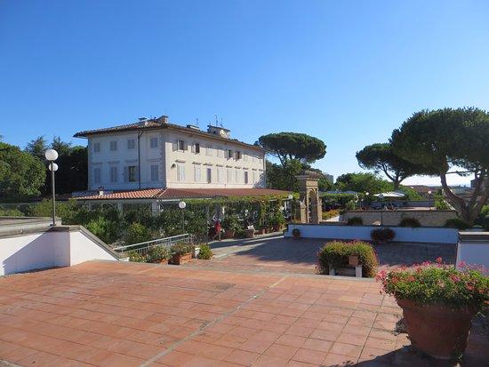 Hotel Garden Photo
