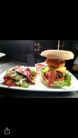 County Laois, Ierland: Forty Tower Burger