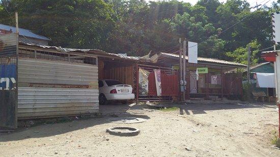 Sandy Bay, Honduras: Roatan housing