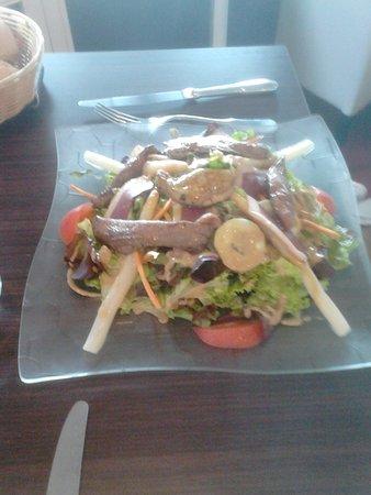 Briare, Prancis: salade gourmande