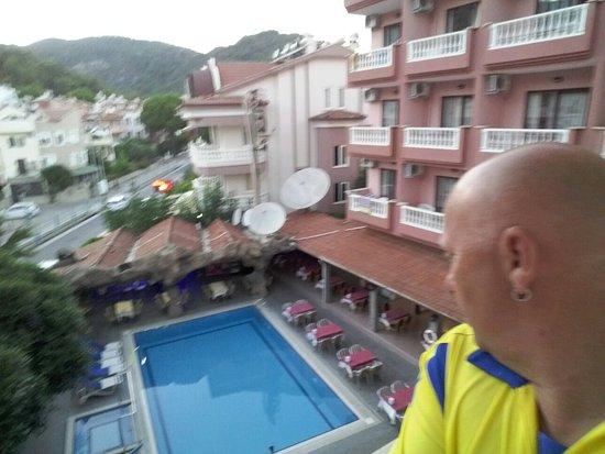 Hotel Kivilcim: 20160818_195241_large.jpg