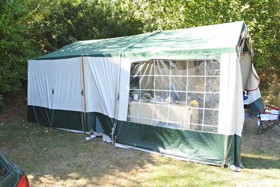 Birchington, UK: the tent was on HALF of my pitch in the corner on Pitch 6. Car was on the other half.