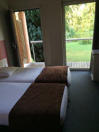 Itteville, França: L'Hotel de l'Ile du Saussay