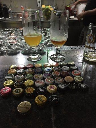 Marilia, SP: seleção de cervejas e tampinhas do local