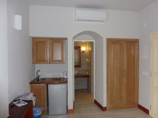 梅尔特米豪华套房酒店照片