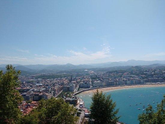 La Concha Beach: Vista desde el Monte Urgull