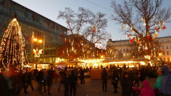 budapest christmas fair christmas market