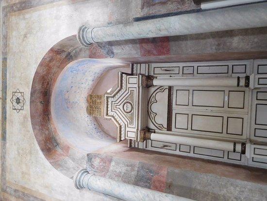 Trnava, Slowakije: l'arche de la Torah et les tables de la loi