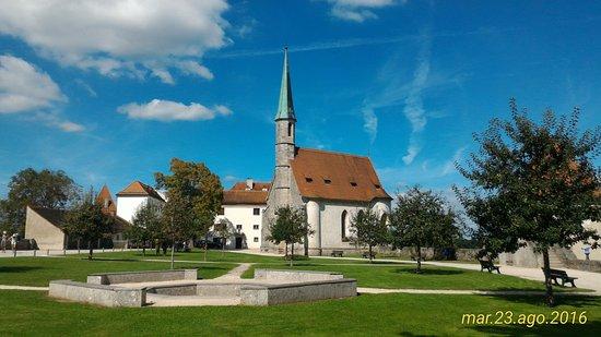 Burghausen, Allemagne : chiesa nel primo cortile