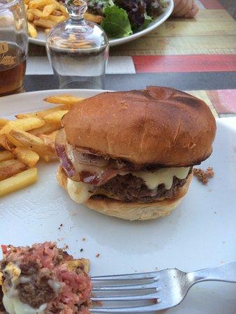 Les Adrets-de-l'Esterel, Francia: Burger Corse