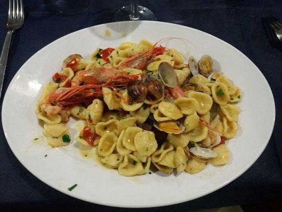 Castrignano del Capo, Italien: ORECCHIETTE!!!