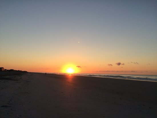 Folly Beach Public Beach: Sun rise