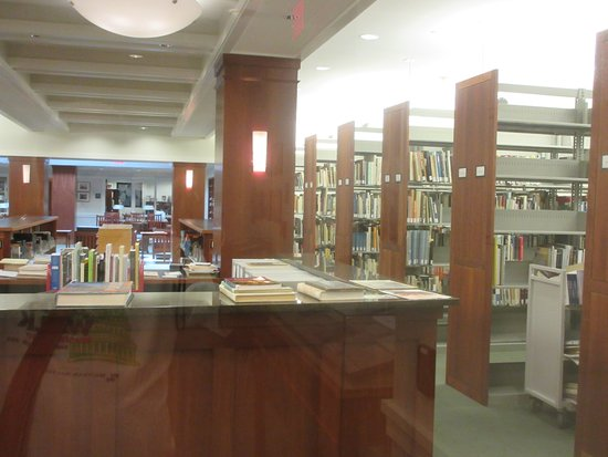 The Phillips Collection : Extensive books in library