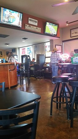 Washington, IL: Alpha Bravo Bar & Grill