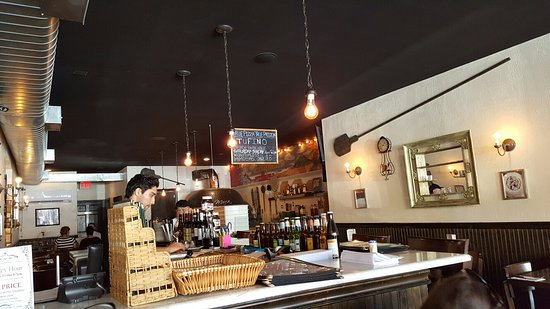 Photo of Italian Restaurant Tufino Pizzeria Napoletana at 36-08 Ditmars Blvd, Astoria, NY 11105, United States