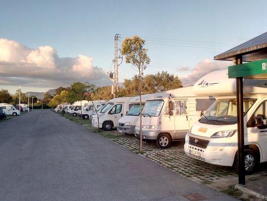 Suesa, Espagne : Area de autocaravanas
