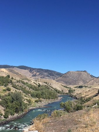 Yellowstone River Motel: View from the backyard area for guests