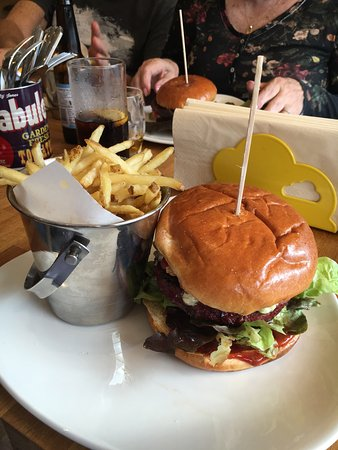 St. Neots, UK : Amazing Burgers