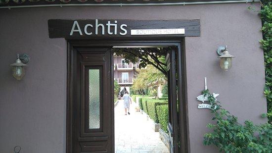 Achtis Hotel: 2η Είσοδος