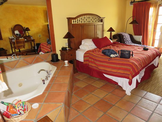 Avila La Fonda Hotel: Room with Jacuzzi