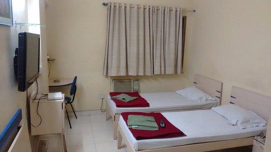 Hotel De Rajanigandha: Double Bed Room