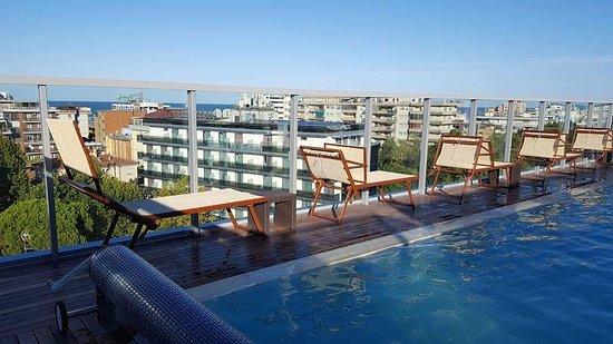 Piscina panoramica picture of hotel aria rimini tripadvisor - Piscina panoramica valdaora ...