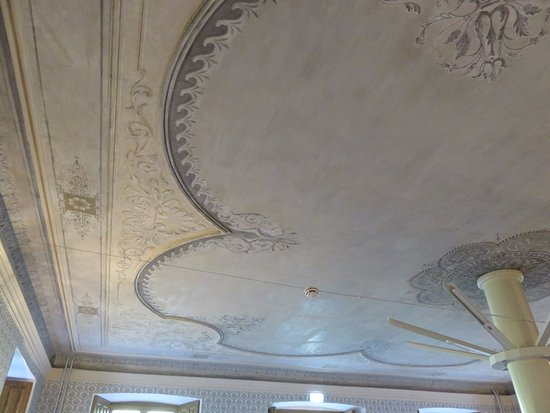 Puhalepa, Estland: Ceiling of one room