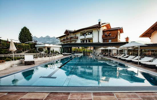 Rohrmoos-Untertal, Austria: Outdoor pool 25 meters