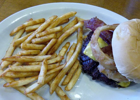 Paducah, KY: BBQ Bacon Cheeseburger with Fries @ Gold Rush Cafe