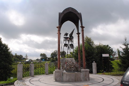 Orlovka, Russie : два скелета - символ любви и верности