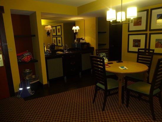 Bear Creek Mountain Resort: kitchenette area room